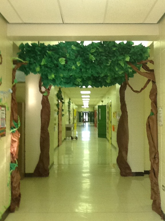 Classroom Decorating Forest Theme ~ Trees schoolgirlstyle